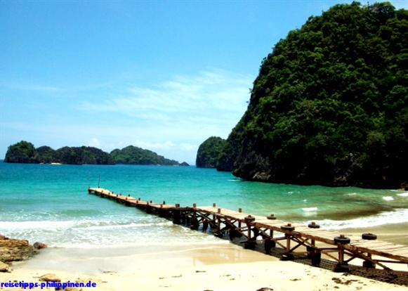 Pier am Gota-Beach in Caramoan
